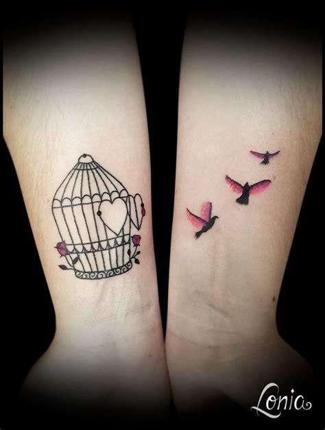 Tatouage Lonia Tattoo Cage Oiseau Envol Couleur Aquarelle