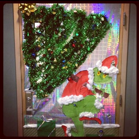 deck  doorsholiday contest st place  grinch