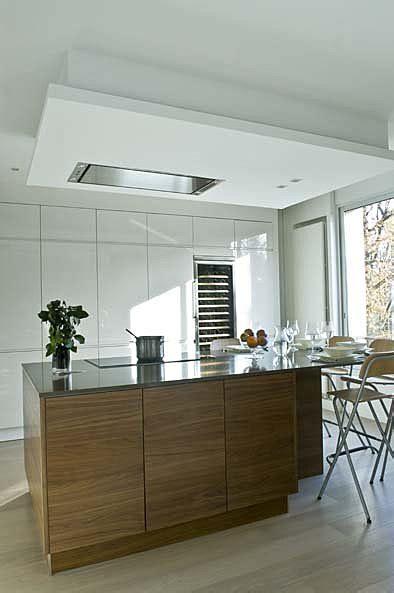 hotte de cuisine plafond choisir une hotte aspirante galerie photos d 39 article 11 20