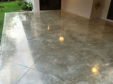 Power troweled polished concrete with Miami buff integral