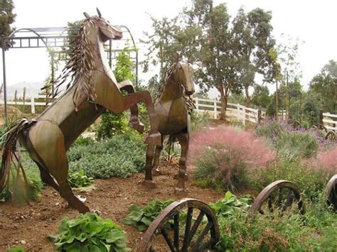 Garden Art Design Inspirations To Decorate Your