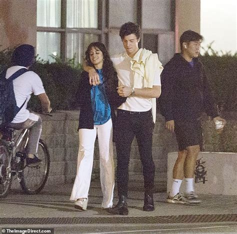 Shawn Mendes Camila Cabello Pack The Pda During