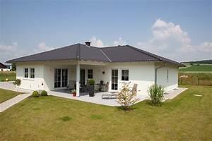 Holz Fertighaus Bungalow : holz fertighaus bungalow 01 friedl holzbau ~ Markanthonyermac.com Haus und Dekorationen