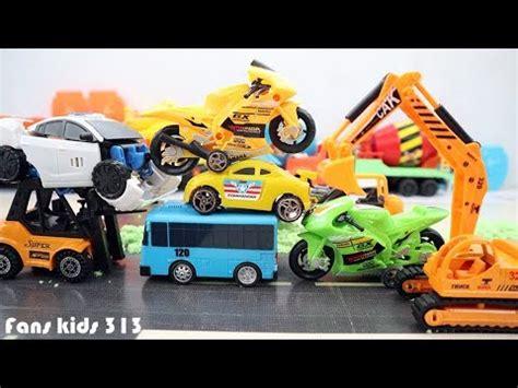 kartun animasi anak mainan excavator beko bego mobil mobilan bus tayo youtube