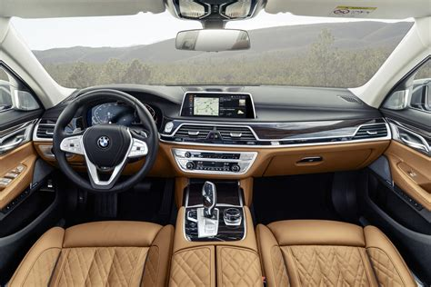 Bmw Series 7 Interior by Bmw 7 Series Facelift Revealed Gets Kidney
