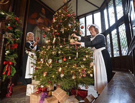 traditional victorian christmas decorationsjpg