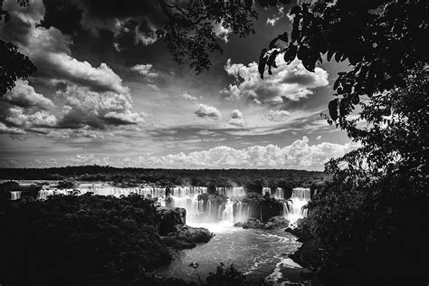black  white view  iguazu falls brazil image