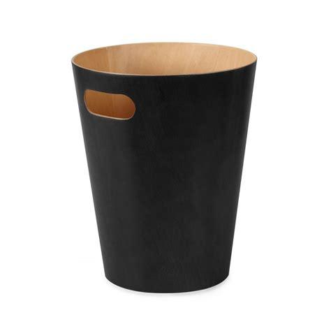 corbeille 224 papier en bois poubelle de bureau umbra au design sobre