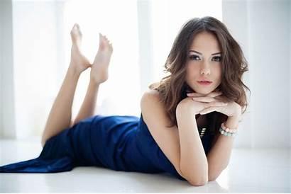 Catherine Timokhina Maxim Maximov Barefoot Hair Leg