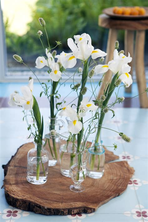 Flowers In Small Vases by Small Is Beautiful Mini Vases How Flowers Do That