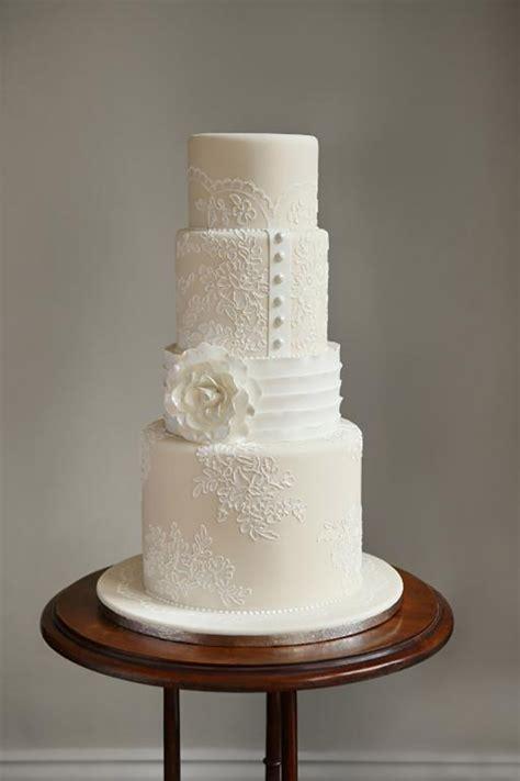 white wedding cakes     plain
