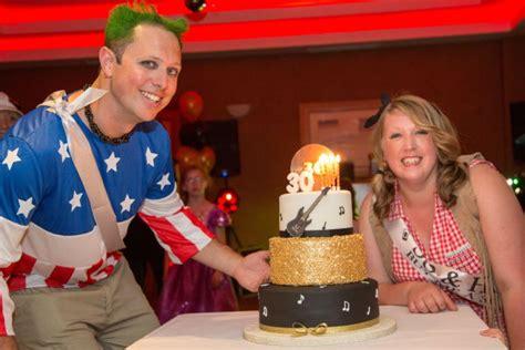 kingswood club basildon review mobile disco  wedding dj essex party djs geoff grove