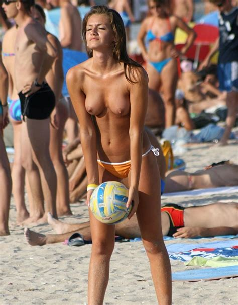 Topless And Hot Volleyball Player Has Really Nice Tits Picture Of