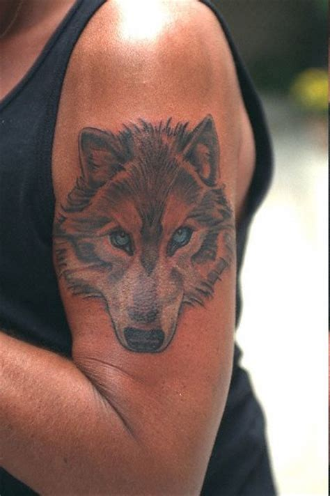 tatouage johnny hallyday tatouage de loup aigle poignard school lettres chinoises les