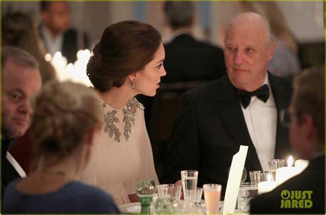 Pregnant Kate Middleton True Goddess Dinner