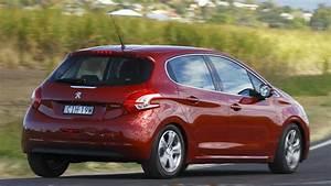 Peugeot 208 2013 Review