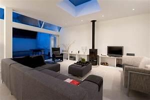 Deco salon avec canape gris valdiz for Nettoyage tapis avec canape tv