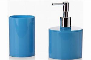 Accessoire Salle De Bain Bleu : accessoires salle de bain bleu lagon ~ Teatrodelosmanantiales.com Idées de Décoration