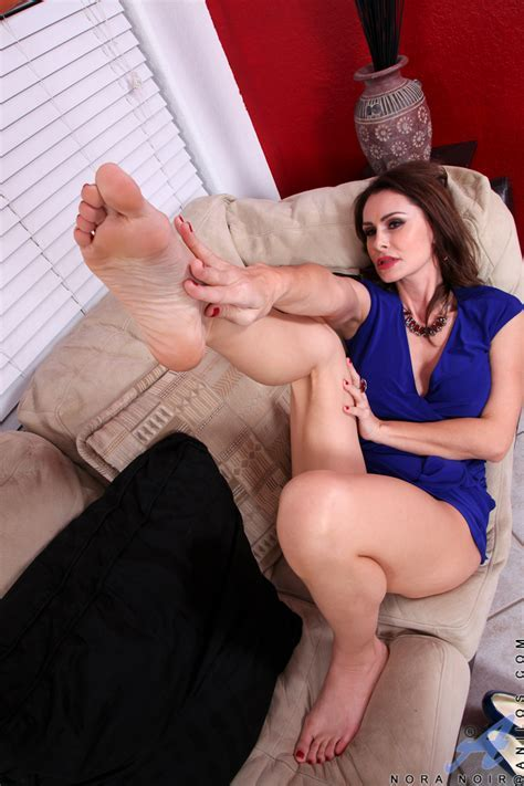 Anilos Com Freshest Mature Women On The Net Featuring Anilos Nora Noir Anilos Sexy