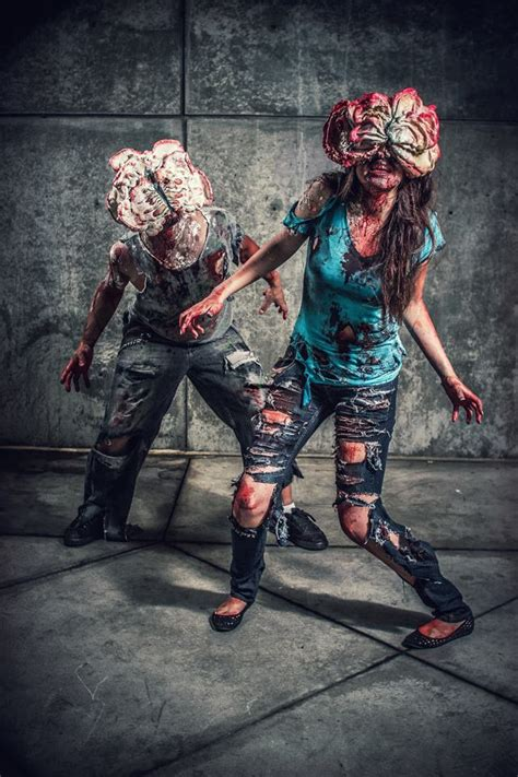 last cosplay clicker clickers game zombie zombies ellie tlou shiv user geekologie story joel neck costume nightmares brought fight characters