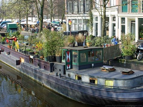 Houseboat For Sale Amsterdam by Houseboats House Boat In Amsterdam