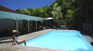 Belle villa coloniale de charme avec piscine a 200m de la for Belle piscine de particulier 10 accueil location de villa en guadeloupe