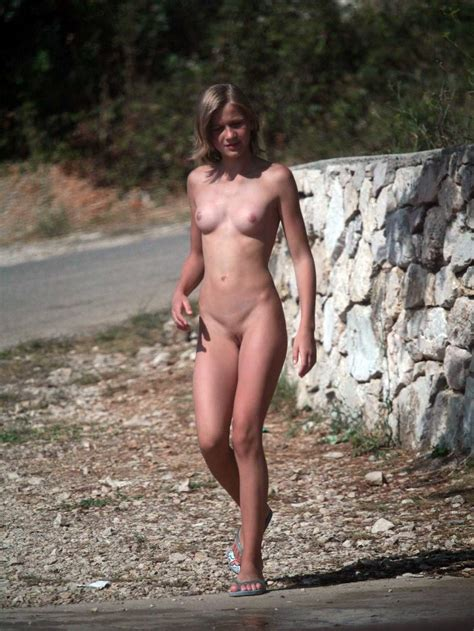 Exhibitionist Naked Girls In Public Places May28 St 38