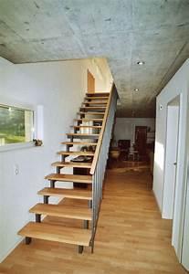 Halbgewendelte Treppe Mit Podest : gerade treppen aus stahl und holz stadler treppen ~ Markanthonyermac.com Haus und Dekorationen