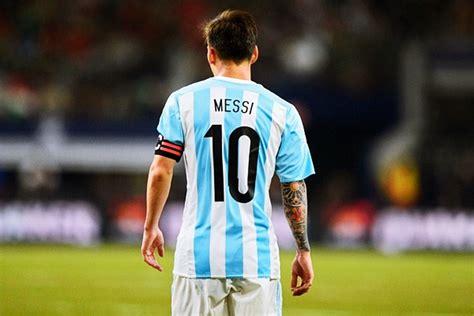 Biografi Lionel Messi Dalam Bahasa Inggris Dan Artinya Terbaru