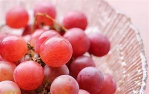Pink grapes « Blog Archive « Z Photo Blog