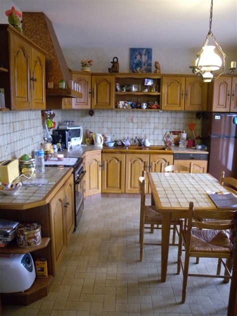 peinture pour credence cuisine relooker sa cuisine repeindre les placards
