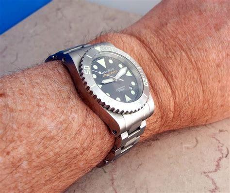 Helson Shark Diver 40 Watch Review  Ablogtowatch