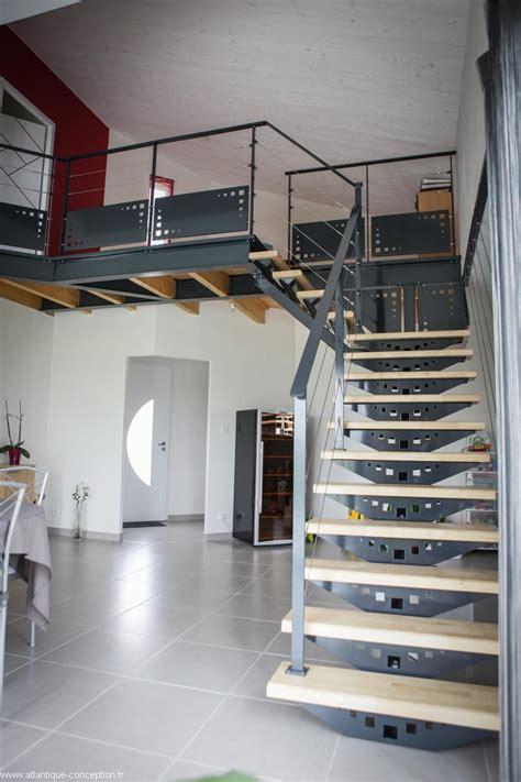 escalier acier limon central escalier acier peint limon central marches h 233 v 233 a