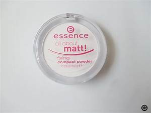 Essence, matifying Compact Powder
