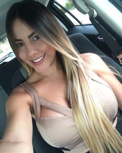 Hot Car Selfies Pics
