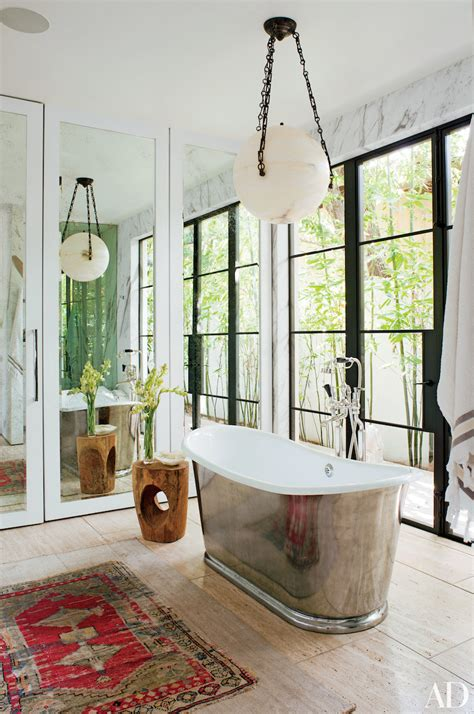 10 Luxury Bathrooms In Celebrity Homes You Should See