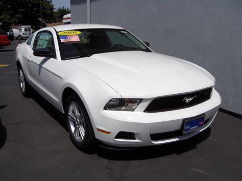white ford mustang for 2010 white ford mustang car autos gallery