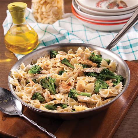cuisine brocolis farfalles express au poulet et brocoli recettes