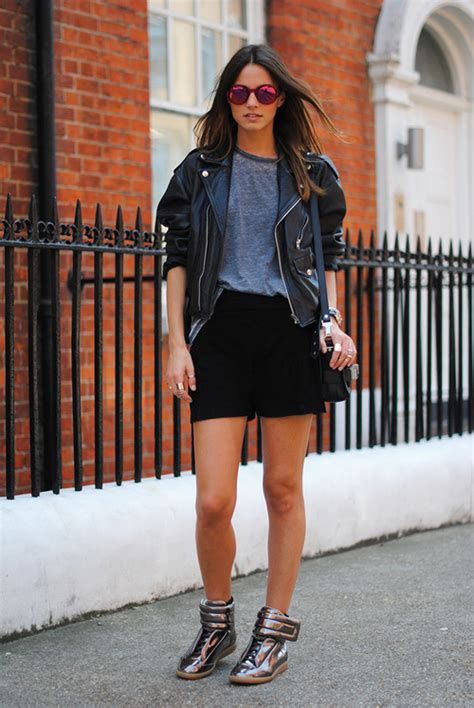 How To Wear Sneakers For Women 2019 Fashiongumcom