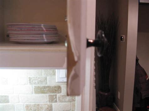Laminate Cupboards Peeling by How Do You Paint Laminate Kitchen Cupboards When They Re