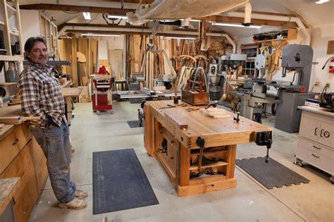 pin  black bear  woodshop   woodworking shop