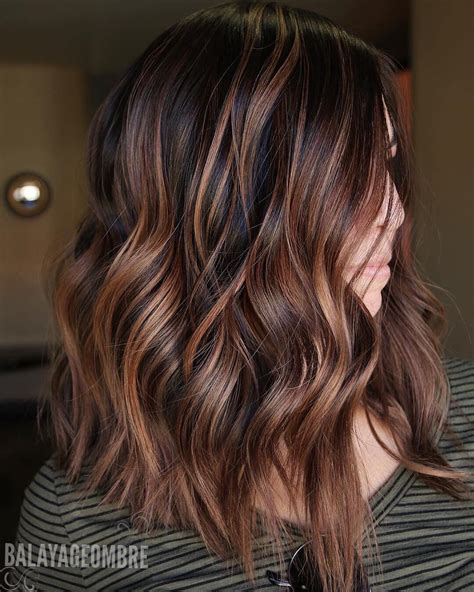 Hairstyles Brown With Highlights by 10 Trendy Brown Balayage Hairstyles For Medium Length Hair