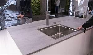 Arbeitsplatte Küche Beton : k che weiss graue arbeitsplatte beton yeah we are moving ~ Watch28wear.com Haus und Dekorationen