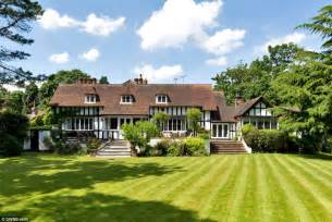 country mansion pictures eighteenth century country mansion where elgar wrote his