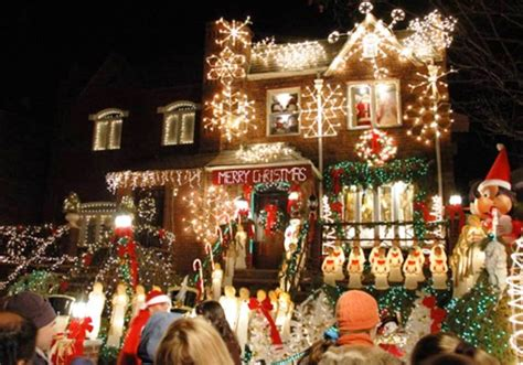 best christmas light displays top 10 christmas light displays in the world