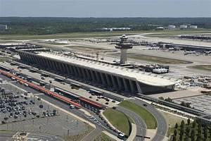 ALBERTA NORWEG:... Dulles International Airport
