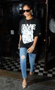 Rihanna Wearing T-Shirt