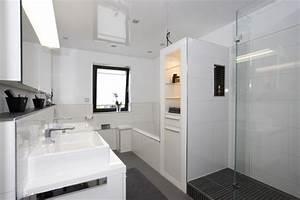 Badewanne Für Kleines Bad : kleines bad dusche und badewanne ~ Bigdaddyawards.com Haus und Dekorationen