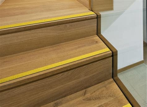 protege marche escalier bois nez de marche antiderapants tous les fournisseurs nez de marche antiglisse nez de marche