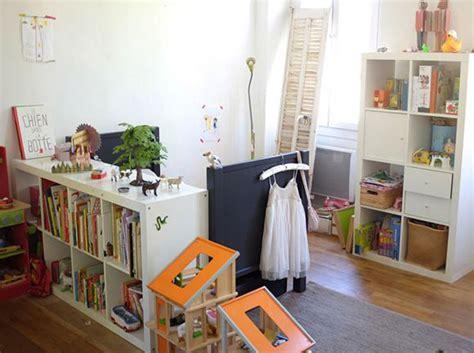 comment amenager une chambre comment amenager une chambre mansardee maison design bahbe com